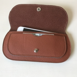 NANELI VOF - Russet leather Iphone cover with extra compartment